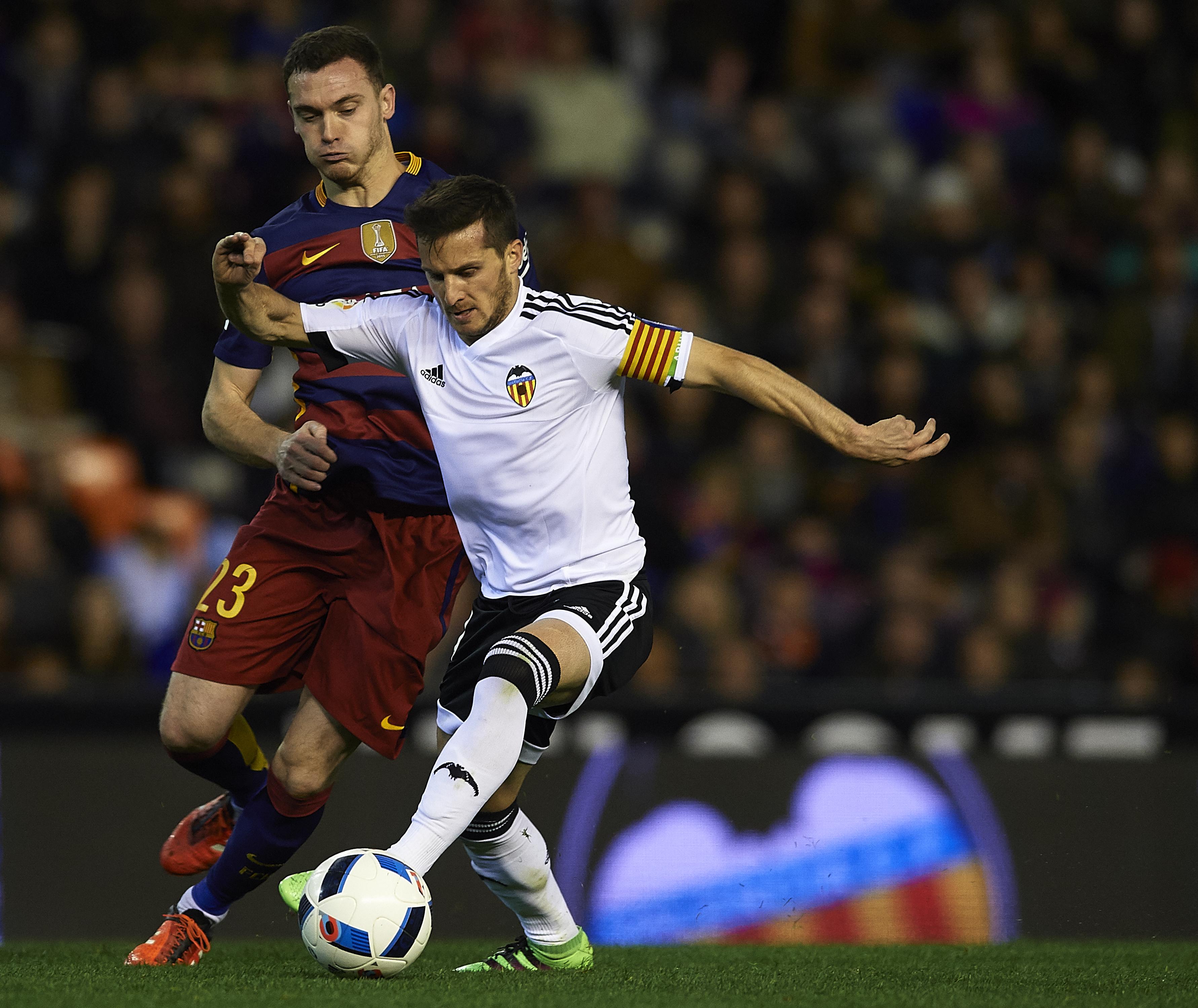 Aston Villa linked to FC Barcelona defender Thomas Vermaelen